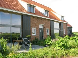 Farmhouse for family near sea 5 persons + baby - Schoondijke vacation rentals