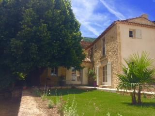 L'écurie de Barbara (Luberon) - Castellet vacation rentals