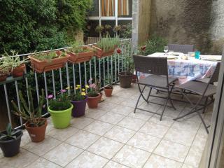Appartement dans le centre historique - Valence vacation rentals