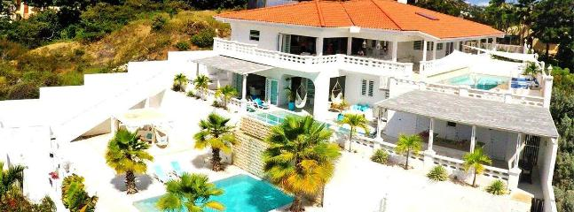 VILLA  'DOM PERIGNON' (especially for groups 8-14 - Image 1 - Willemstad - rentals