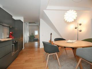 Bright 2 bedroom Wetzlar Apartment with Internet Access - Wetzlar vacation rentals