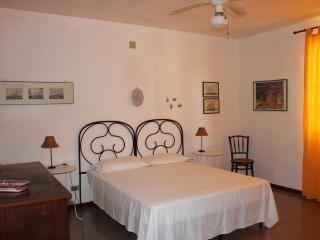 Casa del Falso Pepe - Camera delle Vele - Realmonte vacation rentals