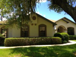 NEAR CRYSTAL RIVER: 6 ACRE COUNTRY ESTATE! - Beverly Hills vacation rentals