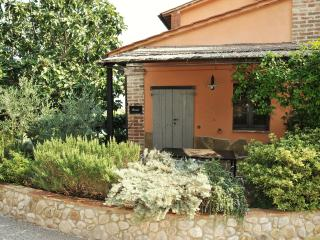 Nice Townhouse with Internet Access and Wireless Internet - Castiglione Del Lago vacation rentals