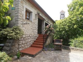 Romantic 1 bedroom Balazuc Gite with Television - Balazuc vacation rentals