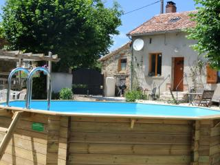 Mirabelles family Gite with pool - Mialet vacation rentals