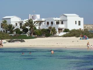 Beach Paradise El Cotillo, El Caleton No 8 - El Cotillo vacation rentals