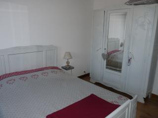 Nice Gite with Internet Access and Satellite Or Cable TV - Breitenbach vacation rentals