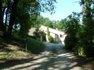 Chambres d'Hôtes En Rouge et Noir - Monbazillac vacation rentals
