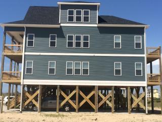 Brand New 4 bed/3.5 Bath Beach House! - North Topsail Beach vacation rentals