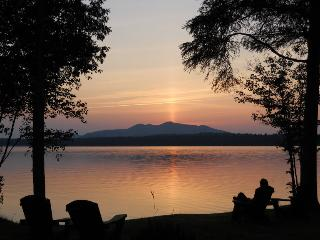 Couples cabin with fireplace, jacuzzi, lakeview - Lake Clear vacation rentals