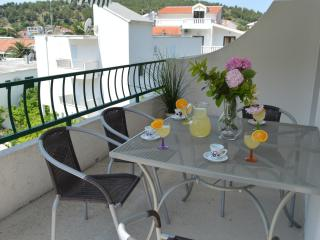 Apartment near the sea ˇˇDanivaˇˇ - Drvenik vacation rentals