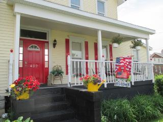 Cozy Condo with Internet Access and Dishwasher - Michigan City vacation rentals