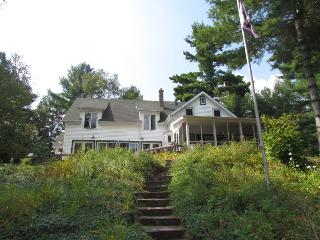 Bright 6 bedroom House in Minett - Minett vacation rentals