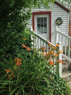 Grapevine Cottage - Cozy Historic Location - Hermann vacation rentals