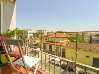 RE2- Superb 5BR in Porto center, AC, Elevator, Balcony - Porto vacation rentals