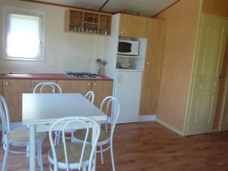 Bright 3 bedroom Moelan sur Mer Chalet with Grill - Moelan sur Mer vacation rentals