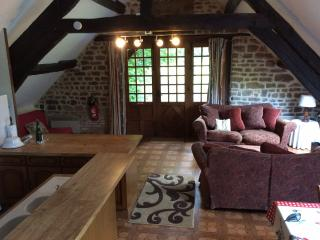 Lovely 1 bedroom Vimoutiers Cottage with Internet Access - Vimoutiers vacation rentals