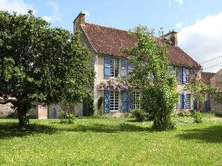 Cherry Tree Villa Villa in Burgundy France to let, holiday rental Burgundy - Epineau-les-voves vacation rentals