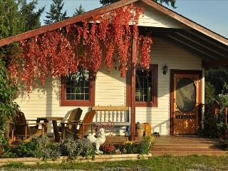 Charming cottage in the country - Nanaimo vacation rentals