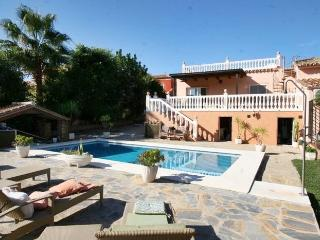 Bargain villa with pool/ Villa économique Marbella - Marbella vacation rentals