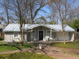 Romantic 1 bedroom House in San Antonio - San Antonio vacation rentals