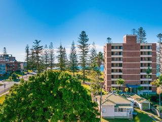 Ocean Views Walk to CBD and Beach NE aspect WiFi - Port Macquarie vacation rentals