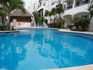 Beautiful Apartment 4 blocks from the beach - Playa del Carmen vacation rentals