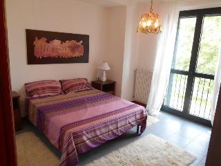 Appartamento vicino a expo con parcheggio privato - Paderno Dugnano vacation rentals