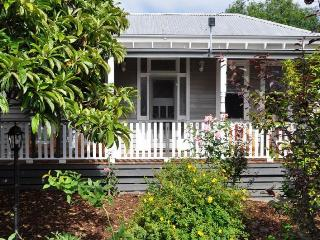 Nice 2 bedroom Cottage in Warragul - Warragul vacation rentals