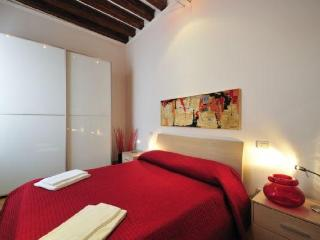 Comfortable Condo with Internet Access and Television - Castello Di Godego vacation rentals