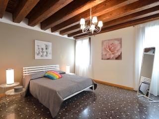 ACCADEMIA 2 - Venice vacation rentals