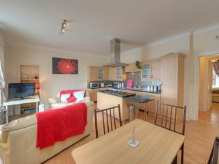 Nice 2 bedroom Oban Apartment with Garden - Oban vacation rentals