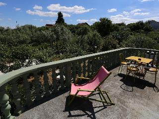 2 bedroom Apartment with A/C in Sutomiscica - Sutomiscica vacation rentals