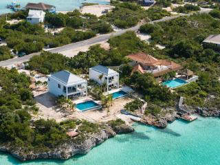 2 bedroom Villa with Internet Access in Sapodilla Bay - Sapodilla Bay vacation rentals