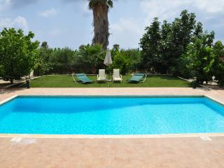 Lovely 3 bedroom Paphos Villa with A/C - Paphos vacation rentals