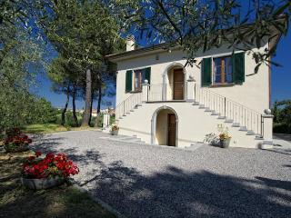 4 bedroom Villa with Internet Access in Foiano Della Chiana - Foiano Della Chiana vacation rentals