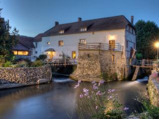 CHARME AU FIL DE L'EAU - Aisne vacation rentals
