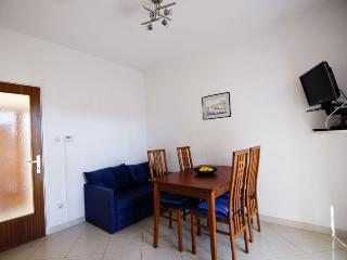 Cozy 2 bedroom Apartment in Cres with Internet Access - Cres vacation rentals