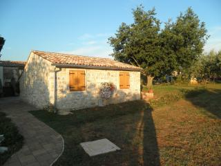 Bright 3 bedroom Umag House with Internet Access - Umag vacation rentals
