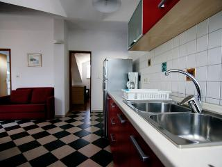 APARTMENT ERICA - Cres vacation rentals