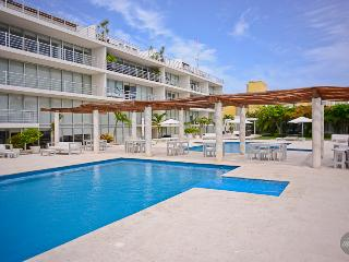 BEST LOCATION, Steps To The Beach! Sleeps 6 - Playa del Carmen vacation rentals
