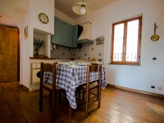 2 bedroom Condo with Television in Castelnuovo di Porto - Castelnuovo di Porto vacation rentals