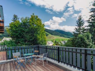 Sunny 3 bedroom Lans-en-Vercors Condo with Parking - Lans-en-Vercors vacation rentals