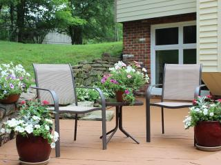 Private, Wooded Hideaway, 1/2 mile from Shops and Brown County State Park - Nashville vacation rentals