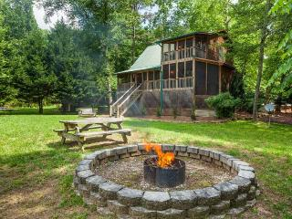 Edgewater Dreams- Sits right on the banks of the Coosawattee River! - Ellijay vacation rentals