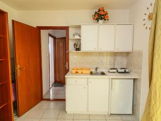 TH00724 Apartments Sandra / A5 One bedroom - Okrug Donji vacation rentals