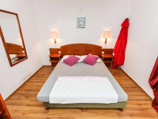TH00724 Apartments Sandra / A6 One bedroom - Okrug Donji vacation rentals