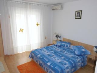 TH00723 Apartments Mara / S1 Room - Baska Voda vacation rentals