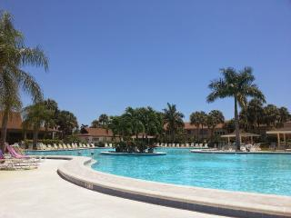 Luxurious holiday condo with oversize pool - Naples Park vacation rentals